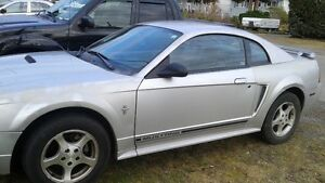 2002 Ford Mustang premium interior Coupe (2 door)