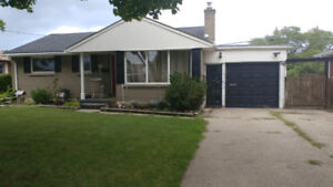NORTH END ST. CATHARINES 3 BEDROOM HOUSE FOR RENT
