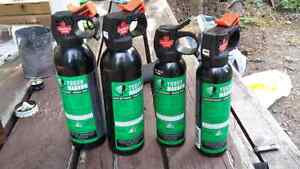 4 bear sprays + 2 Holsters for sale in DAWSON CITY