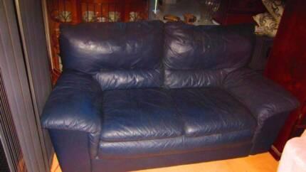 Genuine Natuzzi Italian Leather Lounge in Excellent Condition