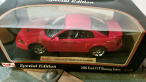 Ford Mustang SVT Cobra 2003 die cast model car maisto