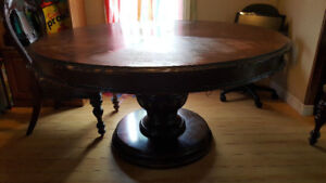 LARGE DINNING  TABLE & 4 CHAIRS $120