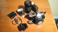 Appareil photo 35mm réflex Nikon et lentille Vivitar 70mm