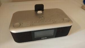 radio-réveil pouvant accueillir iphone / ipod/ ipad