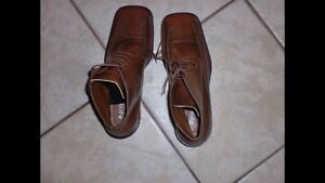 Short genuine leather light brown boots (brand new)
