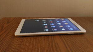 Tablette Samsung Galaxy Tab E tablet 10 pouces 16 go