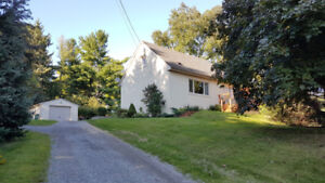 Great Dundas Home - Situated on Almost 1/2 Acre Lot