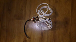 Antronix 2-way splitter with 3 coaxial cables