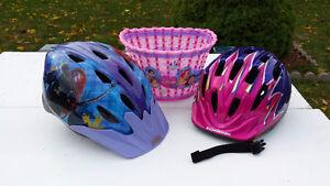 2 Helmets girl under 10 and velo's basket Belleville Belleville Area image 2