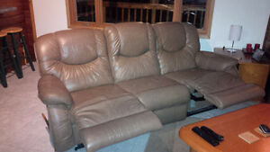 La-Z-Boy Couch and Loveseat Combo