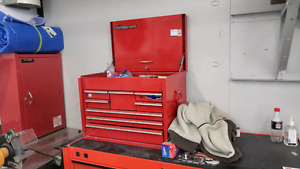 Snap on tool chest.