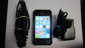 UNLOCKED Apple iPhone 4S 16GB cellphone