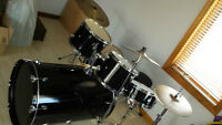 Complete Monster Bass 5-piece with cymbals, stands & HW