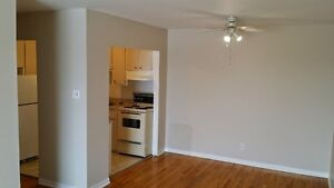 3 bdrm (heated) on 14th St W Cornwall Ontario image 2