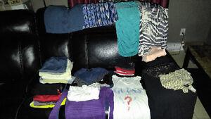 Lot de vêtements small pour femme Québec City Québec image 1