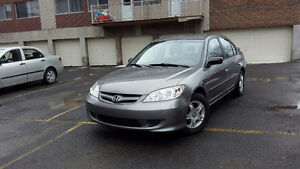 Honda Civic 2005 5speed+Air, 4portes équipée Très Très propre..
