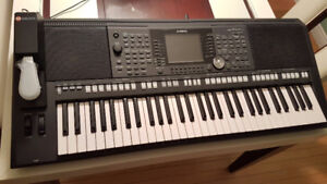 Brand new like!!!!Yamaha PSR-s950,