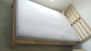 queen size bed frame and mattress for sell Gatineau Ottawa / Gatineau Area image 4