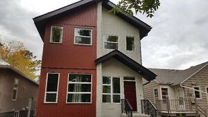 10940-80 Ave University Area (UA-2) Duplex for rent