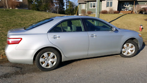 2007 Toyota Camry with winter/summer tires incl - Good condition