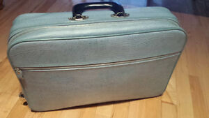 Beautiful mint condition vintage suitcase/carry-on
