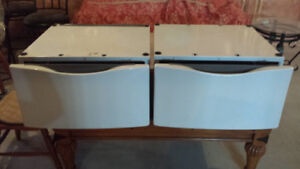 Pair of Washer and Dryer Pedestals