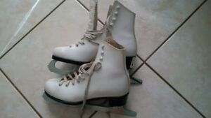 Figure Skates - Size 3 Youth (White)