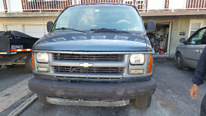 1998 Chevrolet Express Camionnette Diesel juste 2300$
