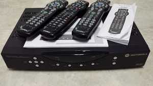 Shaw DCT2524 Digital Cable Receiver with 3 remotes