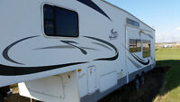 31' 5th wheel with bunks