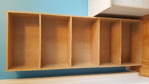 Bibliothèque imitation bois