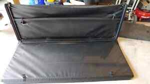 Tonneau cover. Off 2012 Ford F250
