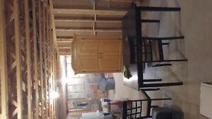 Meubles prix débarras, divan, lit, table, sécheuse, murs douche