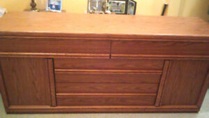 Low chest of drawers, ex. condition, deducted $25 off already