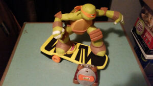 Teenage Mutant Ninja Turtles R/C Skateboarding Mikey (tmnt)