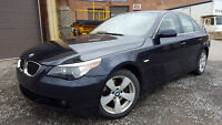 2007 BMW 5Serie 530 xi Berline manuel 4x4 bleue nuit extra clean