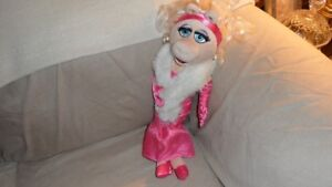 Miss Piggy in her Pink Gown