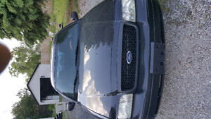 Car for sale (year 2011) model: crown victoria (ford)