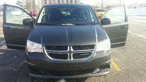 2012 Dodge grand  Caravan Stow-n-go