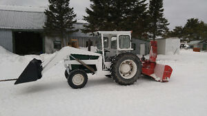 Tracteur Oliver White 1370