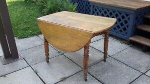 Table de cuisine ancienne en bois