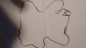 chaine en or 10 karat pour bébé et boucle d,oreille