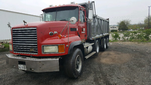 Dump truck tri axle mack 713