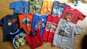 Lot of 12 t-shirts size 5