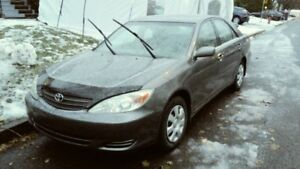 toyota Camry       A1      Faible km
