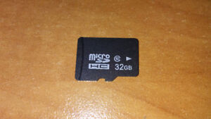 32GB MICRO SD CARD + SAMSUNG EARBUDS WITH BUILT IN MIC