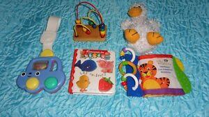Lot 5 jouets ( divers) - bébés / enfants