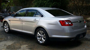 2010 Ford Taurus SEL  =  Senior Driven  =  ONLY 80KM!!!!!