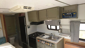 Great condition camper for your 2017 adventures