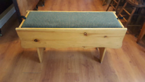 BEAUTIFUL PINE BENCH FOR SALE